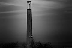 Les poumons du monde (Meculda) Tags: cheminée monochrome extérieur noiretblanc blackandwhite construction tamron 70300 nooffcameraflash removedfromstrobistpool seerule1