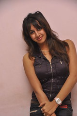 South Actress SANJJANAA Unedited Hot Exclusive Sexy Photos Set-15 (6)