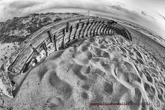 Comune di Mondragone (Pachibro Portfolio) Tags: sea summer beach canon eos boat barca mare campania estate 7d spiaggia caserta mondragone canoneos7d scattifotografici pasqualinobrodella pachibroportfolio pachibro