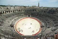 Les Arenes de Nimes (cvea i arena) (Sebasti Giralt) Tags: architecture arquitectura roman amphitheatre romano arena amphitheater arenas nimes anfiteatro rom arenes cavea amfiteatre llenguadoc