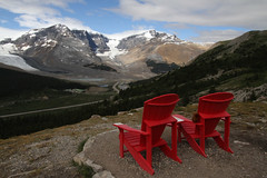 Wilcox Pass (MetallYZA) Tags: red mountain canada montagne rockies rouge jasper chairs hiking glacier alberta viewpoint chaises rocheuses parkscanada randonne redchairs 2015 wilcoxpass parcscanada chaisesrouges