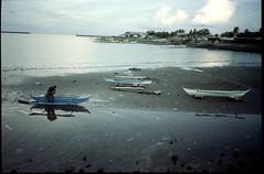 Three little boats (yap_0116) Tags: kodak philippines olympus xa2 epson 100 ultima 2015 julyaugust dalahican quezonprovince gt9300uf
