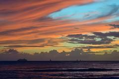 Sunset - Waikiki (steph-55) Tags: sunset beach waikiki oahu honolulu plage coucherdesoleil alohastate nikond800 nikon24120mmf4 steph55