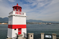 Brockton Point Lighthouse (J-Fish) Tags: lighthouse canada vancouver seawall stanleypark brocktonpoint britishcolombia brocktonpointlighthouse d300s 1685mmf3556gvr 1685mmvr
