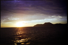 Sunset on-board (yap_0116) Tags: kodak olympus xa2 epson 100 ultima 2015 julyaugust gt9300uf