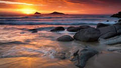Sunset on Picnic Bay (xc.ricardo) Tags: ocean sunset summer beach water clouds sand rocks au australia granite vic grad wilsonsprom normanisland wilsonspromontory picnicbay ef1740mmf4lusm canoneos5dmarkii singhraydarylbensonnd3revgrad gavowen