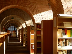 Universitat Pompeu Fabra (heraldeixample) Tags: barcelona espaa spain library bcn catalonia biblioteca catalunya catalua ciutadella catalogna espanya catalogne upf torredelesaiges universitatpompeufabra albertdelahoz heraldeixample
