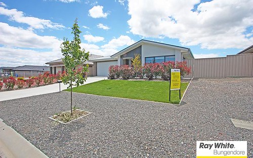 6 Angus Pl, Bungendore NSW 2621