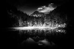 Reflets (Olivier Dégun) Tags: pyrénnées hautespyrénnées raw eos700d eau reflets cauterets canon 1585isusm lac valléedestom montagne paysage lightroom