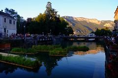Annecy (6) / França / Francia (Ull màgic (+1.000.000 views)) Tags: annecy frança france francia nucliantic canal aigua water reflexes reflejos fuji xt1