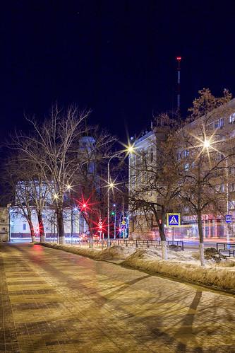2017 colors outdoor cityscape street light lights city lipetsk winter february shadows manual manuallens canoneos6d samyang35mmf14asumc samyangmf35mmf14edasumcae myfocus 35mm canon samyang