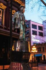Gassy's Message (beelzebub2011) Tags: canada britishcolumbia vancouver gastown gassyjack statue sculpture artwork dawn
