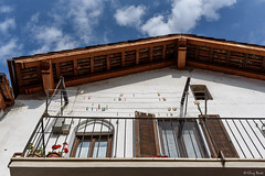 le mollette in alto (Clay Bass) Tags: manta nikon balcony clothespins clouds d750 natural roof
