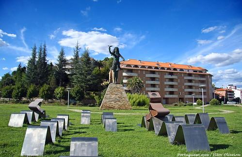 Monumento ao Jet-ski - Mirandela - Portugal