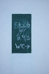 Zöbing (Harald Reichmann) Tags: text wc info schrift niederösterreich wein waldviertel kellergasse kamptal zöbing staubiger