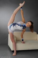 kFuApi5V0SQ (MyBodyFlexible) Tags: beautiful split contortion backbend flexible    oversplit frontbend    mybodyflexible