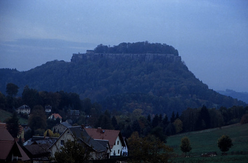 "Elbsandsteingebirge (110) Königstein • <a style=""font-size:0.8em;"" href=""http://www.flickr.com/photos/69570948@N04/22057087052/"" target=""_blank"">View on Flickr</a>"