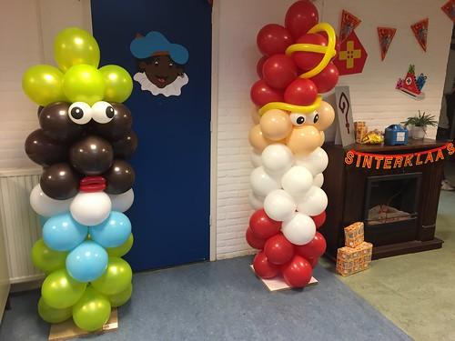 Ballonpilaar Sinterklaas Zwarte Piet CBS De Bron Spijkenisse