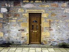 Door (Tony Tomlin) Tags: uk scotland granite stonehouse oakdoor invergordan