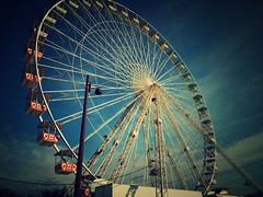 The Big Wheel and the Blue Sky (jeroen.liefferink) Tags: thebigwheel