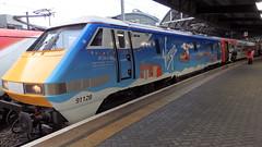 Claus 91 Virgin 2015 Christmas Train (Uktransportvideos82) Tags: xmas coast east virgin claus 91 91128