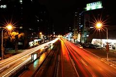 IMG_3791 (Tatsu.C) Tags: night canon taiwan tokina taipei 台北 台北市 慢快門 1116 天橋 星芒 十字路口 b快門 民權承德路口 承德路 民權西路 長曝 1116mm tokinat116 canoneos550d