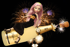 Champagne Pop! ☆.。.:*・° (Mariko&Susie) Tags: monsterhigh howdoyouboo moanica moanicadkay monica zombie ghoul newyearseve 2016 newyear 2017 happynewyear happybooyear fireworks sparks sparklingwine champagne bottle cork cava freixenet cartanevada semisec felicesfiestas fuegosartificiales feudartifice gold golden handmadedress handsewn elegant blackdress pinkhair photoshop toy toys doll dolls canoneos600d canoneosrebelt3i canoneoskissx5 50mmlens marikosusie sistersmarikosusie mariko susie школамонстров モンスター・ハイ