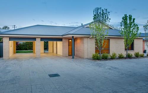 2/585 Livermore Street, Lavington NSW 2641