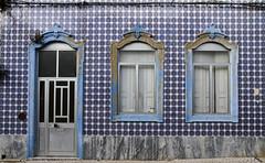 Fachada de Olhão (John LaMotte) Tags: fachada fenêtre ventana window windows janela janelas azulejos azulejo tiles algarve olhão azul porta puerta portugal ilustrarportugal infinitexposure