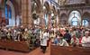 Festive Mass, Laurentiuskerk, Heemskerk, 2016 (pmhudepo) Tags: holymass kerkdienst laurentiuskerk heemskerk stlawrence churchservice kerk churchmass leicamptyp240 leicasummicronm352asph