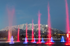 Water and Light Show Fronting Timpanogos [Explore] (aaronrhawkins) Tags: fountain timpanogos mountain light spout red blue snow universitymall glow orem provo utah show spray water jet aaronhawkins