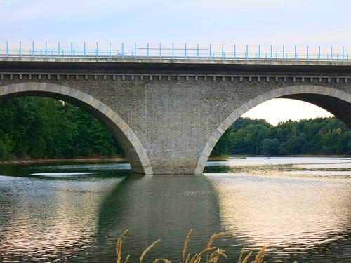 A72 Talbrücke Pöhl bei Neuensand Juli 2015_011