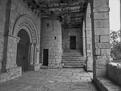 San Miguel Arcángel, Valdenoceda (fcuencadiaz) Tags: iglesias burgos valdenoceda miguelarcangel