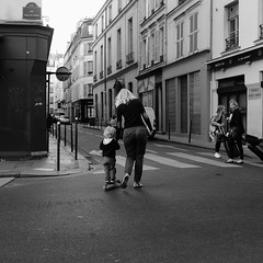 Little wheels (jmvnoos in Paris) Tags: blackandwhite bw paris france wheel kids square mom blackwhite kid fuji little noiretblanc wheels mother nb fujifilm enfants maman enfant petites trotinette carr roue noirblanc lemarais carrs carre patinette carres roues jmvnoos visionqualitygroup x100t