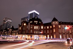 Tokyo Station & moving traffic.. (Shubhashish Chakrabarty) Tags: station japan lights tokyo asia traffic 日本 東京 夏 東京駅 夜
