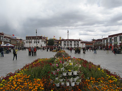 "Jokhang Temple <a style=""margin-left:10px; font-size:0.8em;"" href=""http://www.flickr.com/photos/127723101@N04/22102148988/"" target=""_blank"">@flickr</a>"