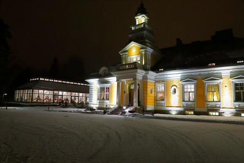 Hirvihaaran Kartano talvi-iltana