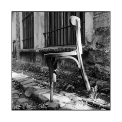 the old chair 2  paris, france  2015 (lem's) Tags: street old paris france chair minolta rue chaise vieille paved autocord pave