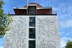 P1010837 the Bulding (Pieter Musterd) Tags: white building architecture concrete thenetherlands wit thehague gebouw parnassia panasoniclumixdmcfz30 pieter007 parnassiapmc