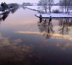 Reflektionen des Winters (gerriet) Tags: winter favorite reflection topv111 germany geotagged canal topf50 500v20f topc75 mostinteresting ostfriesland topf kanal 1on1 emden petkum 999v9f fav2550 interestingness327 i500 1000v40f kakadoo 25faves geo:lat=533395 geo:lon=72744 kanalimwinter superaplus aplusphoto