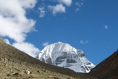 mount kailash, nordwand (*Sabine*) Tags: china travel mountain snow nature landscape asia asien natur tibet berge day1 kailash landschaft kora jewel mountkailash elevation65007000m khora kangrinpoche gangrinpoche transhimalayas transhimalaya jewelofthesnow summitmtkailash altitude6638m mountainstranshimalayas kailash2006 year:uploaded=2006 sabinesteinmller