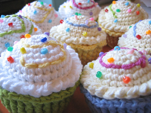 Crochet cupcakes with sprinkles