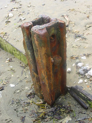 rusty groin (brapps) Tags: beach isleofwight groin