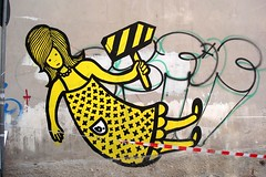 b. (server pics) Tags: street b woman art girl yellow graffiti calle arte kunst athens via greece grecia psiri atenas writers writer rua strase grce  pintura  grafite athen griekenland  athnes   atene         athensstreetart         artedelacalledeatenas serverpics