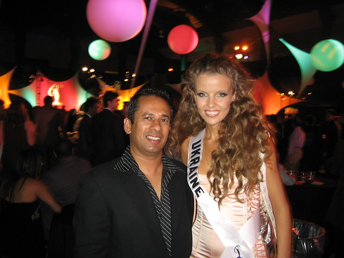 Mevan with Miss Ukraine at the Miss Universe 2006 Los Angeles CA