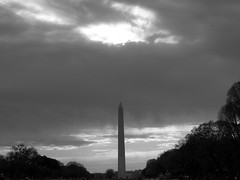 Sun Rays Over Washington (noahg.) Tags: blackandwhite sun beautiful clouds washingtondc dc memorial lincoln lincolnmemorial rays sanyoc6 noahbulgaria