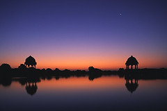 GAdi Sagar Lake, Jaislamer, India - by dwrawlinson