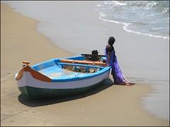 Saudade (Christian Lagat) Tags: ocean woman india beach boat women femme bateau plage tamilnadu inde mamallapuram भारत top20india abigfave indiasong 50millionmissing