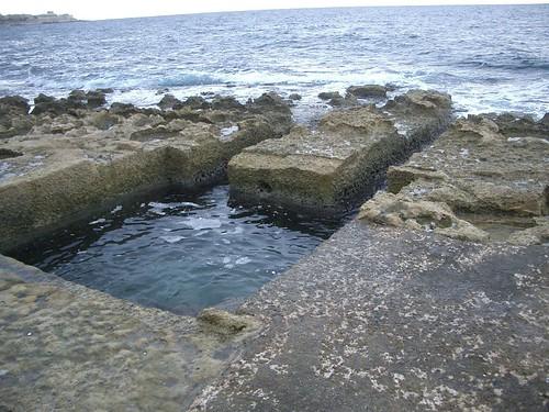 Sliema playa rocas