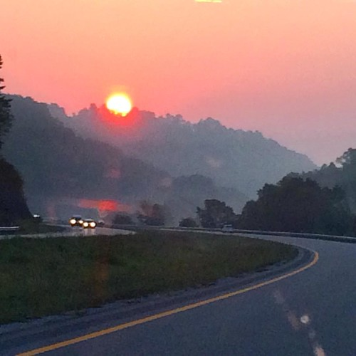 #sunrise in the mountains of Eastern Kentucky #roadtrip #travel